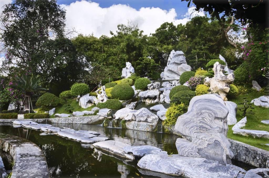 сад миллионолетних камней паттайя