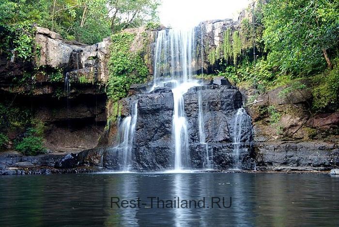 водопад на острове Ко-Куд