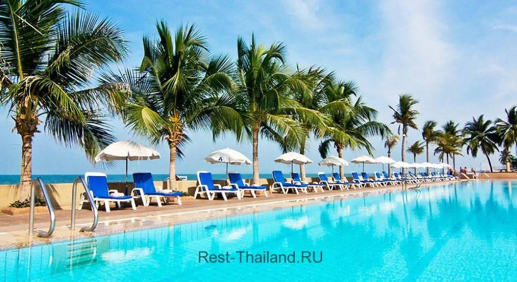 Отель Ambassador City в Паттайе бассейн