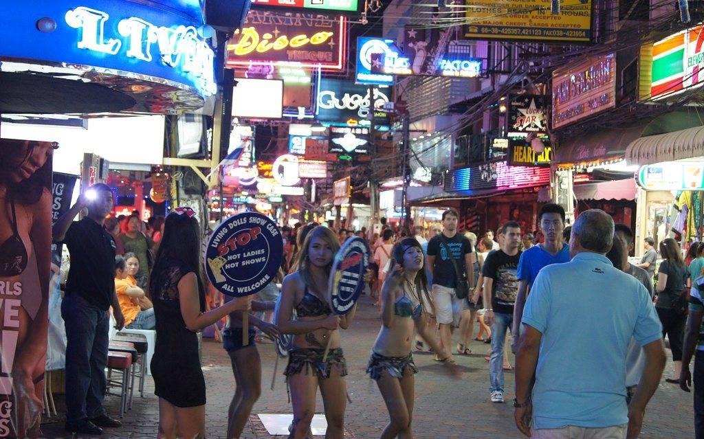 ночные развлечения в Паттайе - волкин стрит