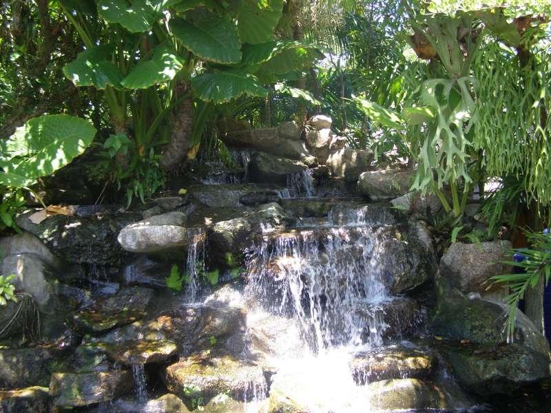 водопад в ботаническом саду на Пхукете