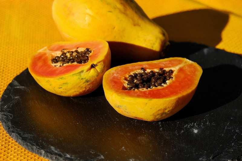 Папайя: полезные свойства и вред, калорийность, лечебные свойства и противопоказания, как правильно есть фрукт фото