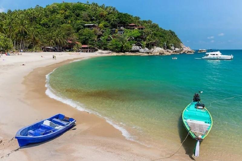 Пляжный берег Ко Панган
