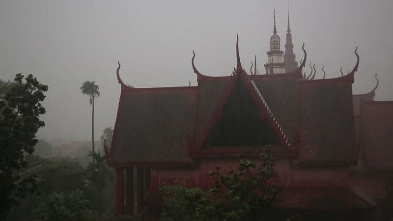 Сезон плохой погоды в Пномпень