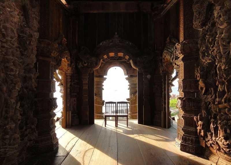 Таиланд храм истины внутри